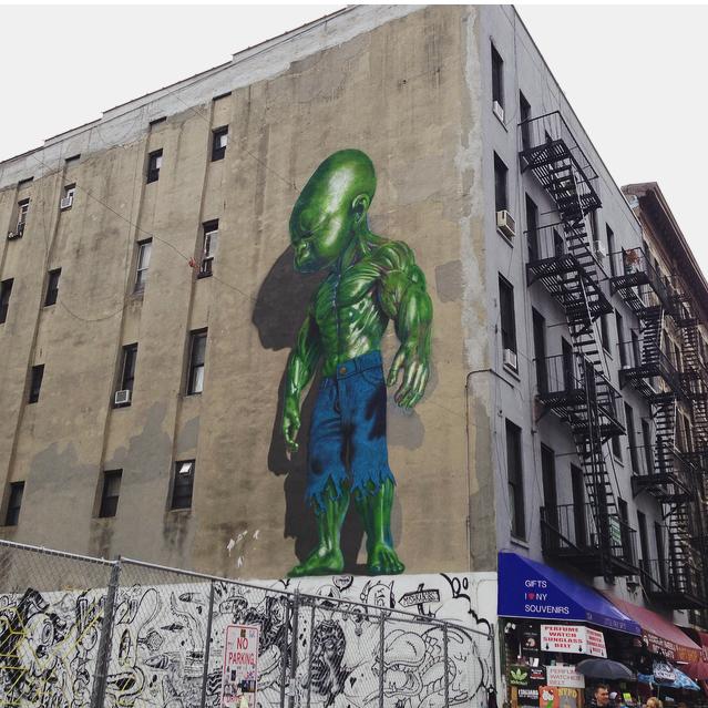 Street Art Hulk